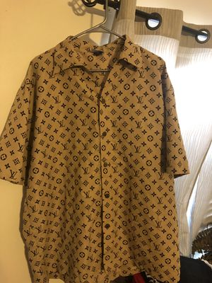 Men's xl very nice shirt for Sale in Palm Beach Shores, FL