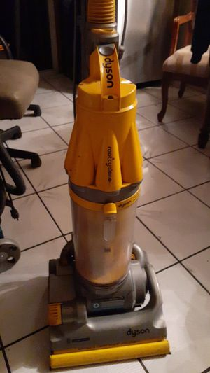 Dyson Root 8 Cyclone $40.00 for Sale in Los Angeles, CA