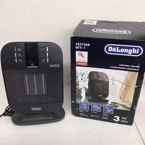 DeLonghi 1500-Watt Ceramic Compact Personal Electric Space Heater Item #857268Model #HFX60O15L for Sale in Vernon, CA