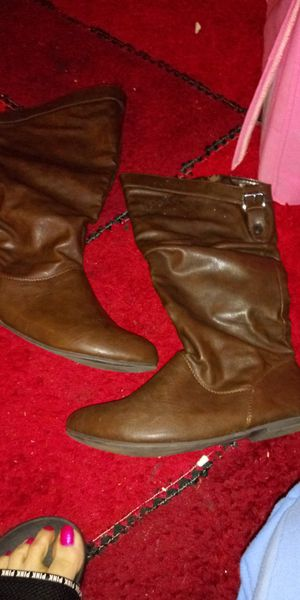 Brown zip up flat boots for Sale in St. Louis, MO