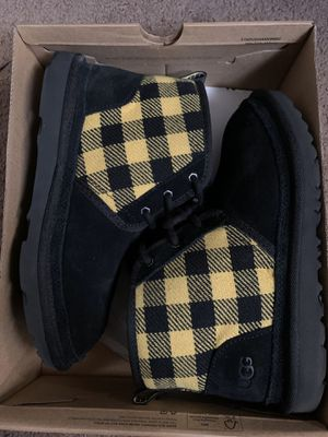 NEUMEL UGGS BOOTS II new for Sale in Sacramento, CA