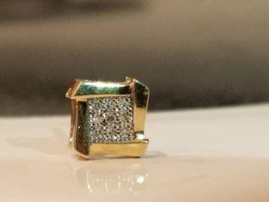 10Kt gold diamond cluster single stud earring for Sale in Phoenix, AZ