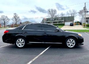 2011 Avalon Excellent condition for Sale in Kittanning, PA