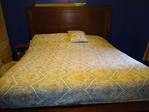 King bed frame for Sale in Elma, WA