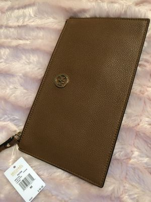 Michael Kors Wristlet for Sale in Seattle, WA