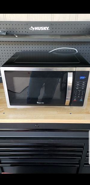 Magic chef 1.6 cu 1100 watts microwave for Sale in Tempe, AZ