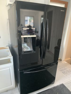 Samsung Black Fridge and Freezer for Sale in Southgate, MI