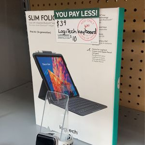 Logitech Keyboard for Sale in Cuyahoga Heights, OH