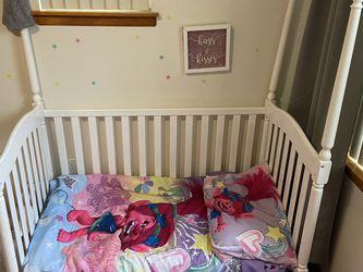 Trolls toddler comforter Bed set for Sale in Portland,  OR