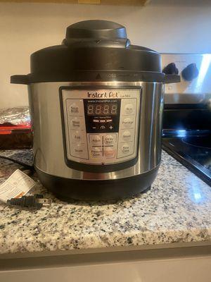 Instant Pot Mini Lux for Sale in Batesburg-Leesville, SC