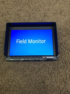 """feelworld monitor 7"""" Plus Sony Battery N Charger for Sale in Red Oak, TX"""
