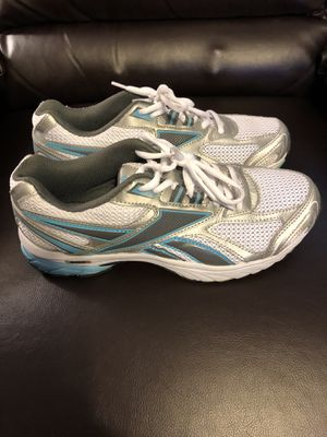 Woman's Reebok Running Shoes Size 10 for Sale in Glenshaw, PA