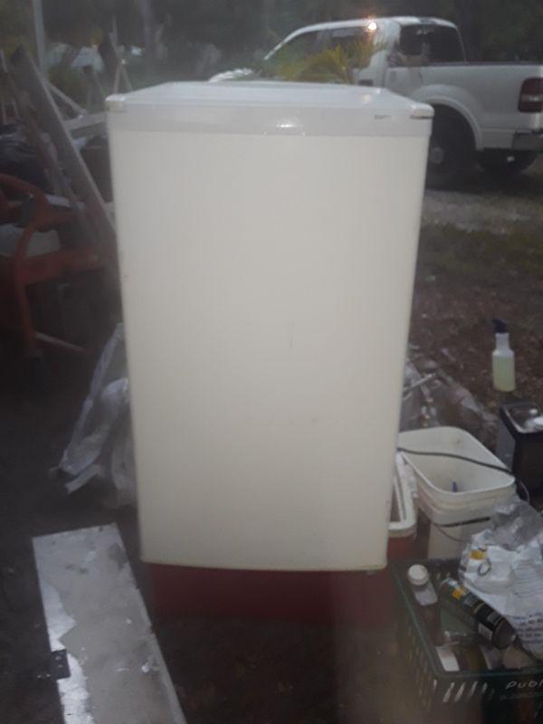 Sonya mini fridge ice cold