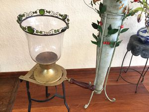 VINTAGE URN for Sale in Puyallup, WA