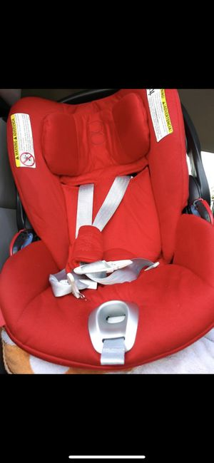 Cybex Cloud Q Car Seat RED for Sale in Hialeah, FL
