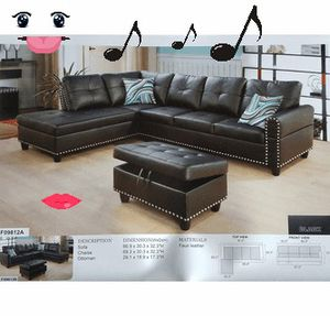 Black sectional w_ottoman has storage Nail head (New) for Sale in Sunnyvale, CA