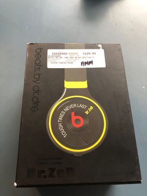 Headphone beats by dr, Dre pro Detox for Sale in San Diego, CA