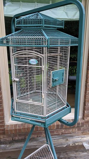 Marvelous Pavilion Deluxe Bird Cage for Sale in Atlanta, GA