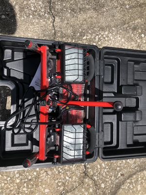 Commercial Twinhead work light with tripod for Sale in Orlando, FL