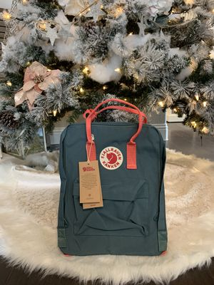 Authentic Fjällräven Classic Kanken Backpack- Green and Pink for Sale in Rockwall, TX