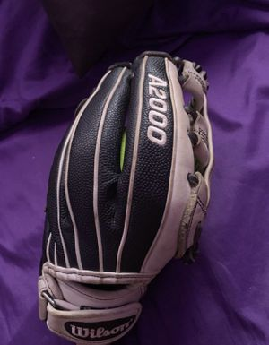 Wilson A2000 softball Glove for Sale in Los Angeles, CA
