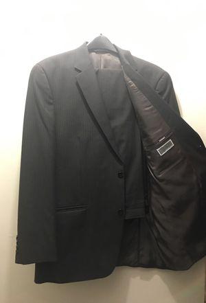 Michael Kors Men's Pant Suit. Jacket 44L Pant 38/32L for Sale in Brooklyn, NY