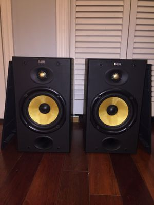 Bower and Wilkins (B&W) DM601 bookshelf speakers for Sale in Lutz, FL