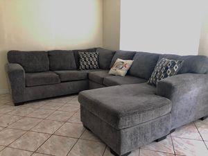 Silverton Pewter Sofa for Sale in Kissimmee, FL