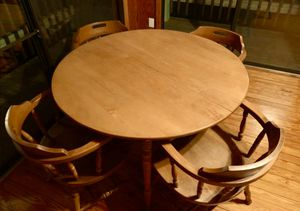Dining Room Table Set (4 Chairs) for Sale in Carrboro, NC