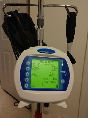 LIKE NEW: Kangaroo Joey ePump infusion pump with tree stand for Sale in Jacksonville, FL