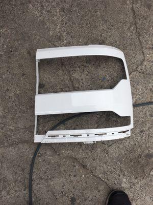 Silverado 2016-2018 plastic cover for the driver side headlight for Sale in Hawthorne, CA