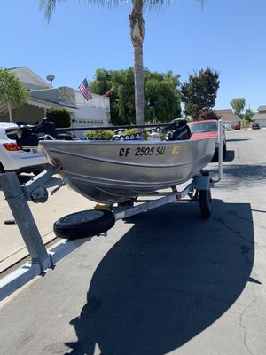 12 ft western welded aluminum boat w/ 2007 15 hp merc 4 stroke and pacific trailer for Sale in Cypress, CA