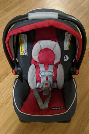 Graco SnugRide 35 Infant Car Seat, Chili Red for Sale in San Diego, CA
