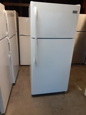 Frigidaire refrigerator apartment size for Sale in Los Angeles, CA