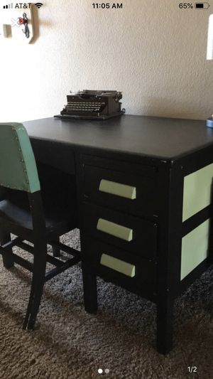 Antique Solid Wood Teachers Desk REDUCED!!! for Sale in Las Vegas, NV