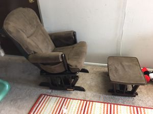 Rocking chair for Sale in East Dundee, IL