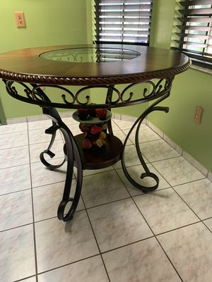 Counter height dining table for Sale in Kissimmee, FL
