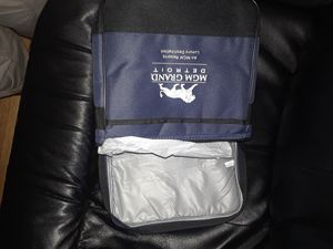 lunch bag flashlight built in umbrella for Sale in Detroit, MI