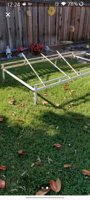 Free Metal Cart Rack for Sale in Fremont, CA