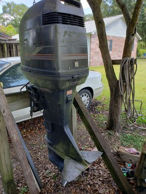 Force 150 Boat Motor (Parts) AS IS!! for Sale in Seffner, FL