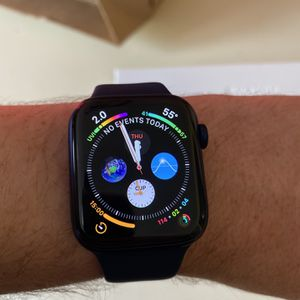 Apple Watch Series 6 for Sale in Traverse City, MI