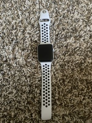 Apple Watch series 3 with accessories for Sale in Spring Valley, CA