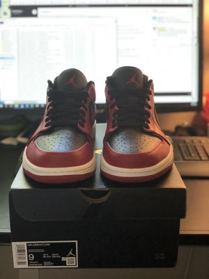 Nike Jordan 1 low bred size 9.5 for Sale in Shoreline, WA