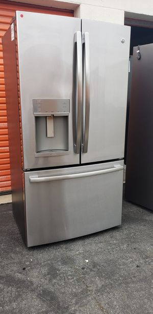 GE REFRIGERATOR STAINLESS STEEL for Sale in Paramount, CA