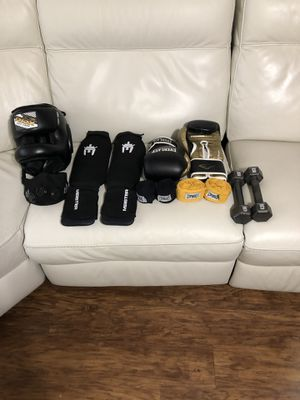 Boxing gloves for Sale in Federal Way, WA