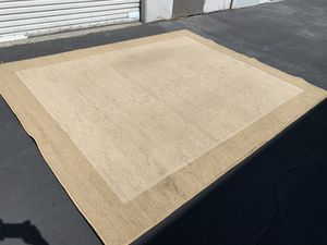 Beige area rug very clean and good condition for Sale in Santa Ana, CA