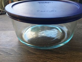 Pyrex Food Storage Container 7 Cup-1.65 L for Sale in Denver,  CO