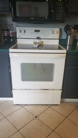 Kenmore Electric Stove with sure simmer. for Sale in Nashville, TN
