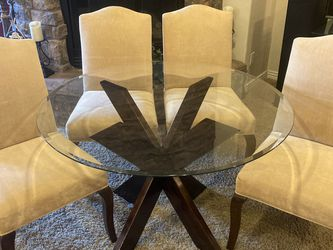 Like New Gorgeous Glass Dining Room Table And 4 Chairs for Sale in Phoenix,  AZ