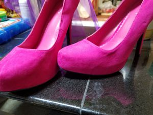 Qupid Platform Hot Pink Heels for Sale in Tacoma, WA